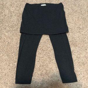 CAbi Gray Skinny Leggings w/Skirt Overlay Size M